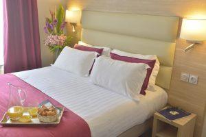 Hotel Unic Renoir Saint Germain Bedroom