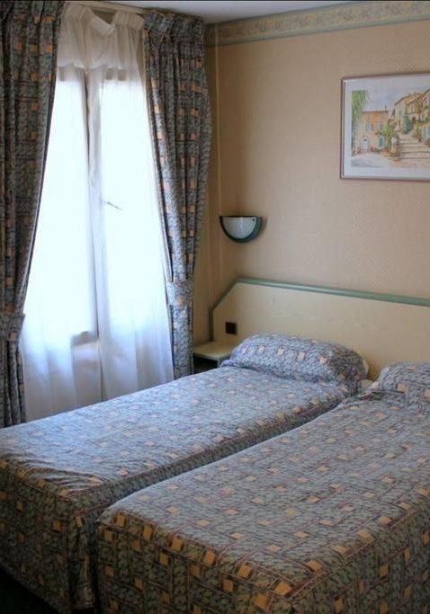 Hotel Aladin Paris 32